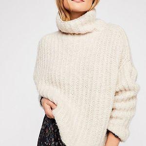 Free People Chunky Fluffy Fox Beige Knit Sweater